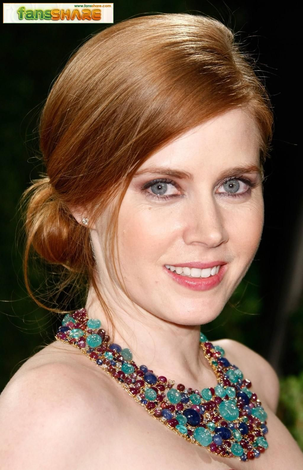 normally not a fan of gingers but she looks ok