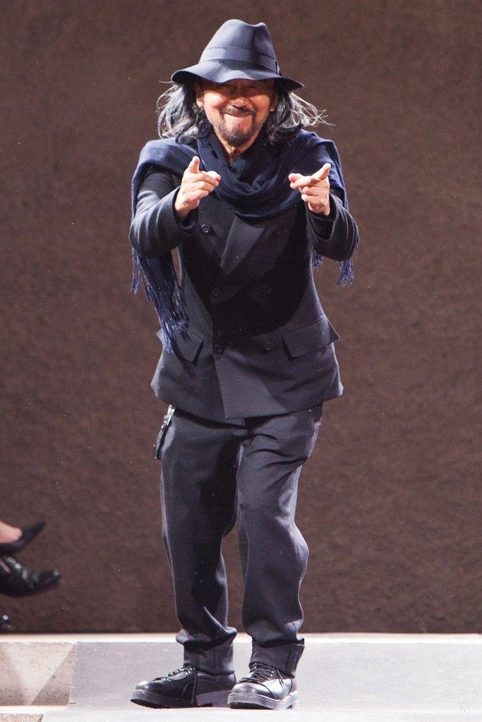 Berlins Gallery Weekend Kicks Off With Yohji Yamamoto Runway Show - Slideshow