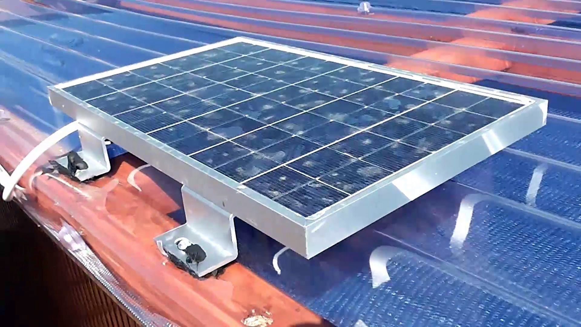 12v solar power installation for a small shed home steading