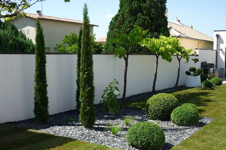 Paysagiste jardin contemporain plantation de massifs de fleurs pose de gazon ext rieur for Amenagement paysager moderne