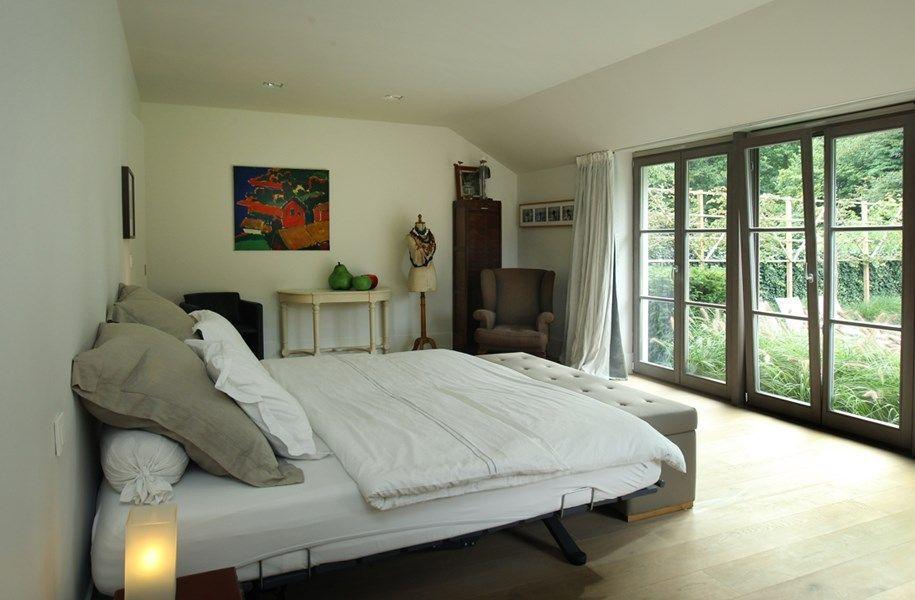 Binnenkijken in een villa met loftallures - Het Nieuwsblad: http://www.nieuwsblad.be/cnt/dmf20150924_01884738