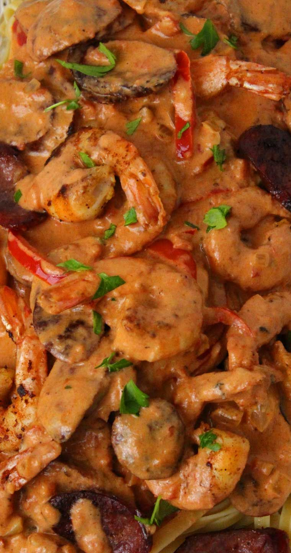 Creamy Cajun Shrimp and Sausage Pasta #cajundishes