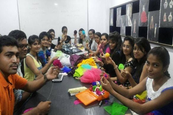 Diploma And Degree Fashion Designing Course In Surat Surat Distance Learning Courses Fashion Designing Course Distance Learning Learning Courses