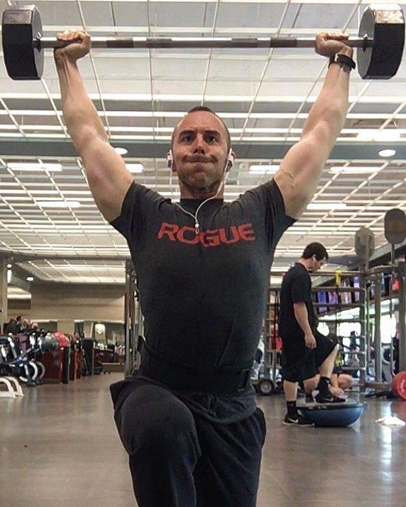 Because heavy overhead walking lunges suck after high volume front squats  #legday #squats #quads #roguefitness #fit #fitfam #fitspo #fitness #fitlife #gym #gymlife #workout #sweat #bodybuilding #crossfit #powerlifting #strength #athlete #muscle #abs #npc #functionaltraining #motivationmonday #lunges #fitbit #focus #noexcuses #athletic #nutrition #athletenutrition