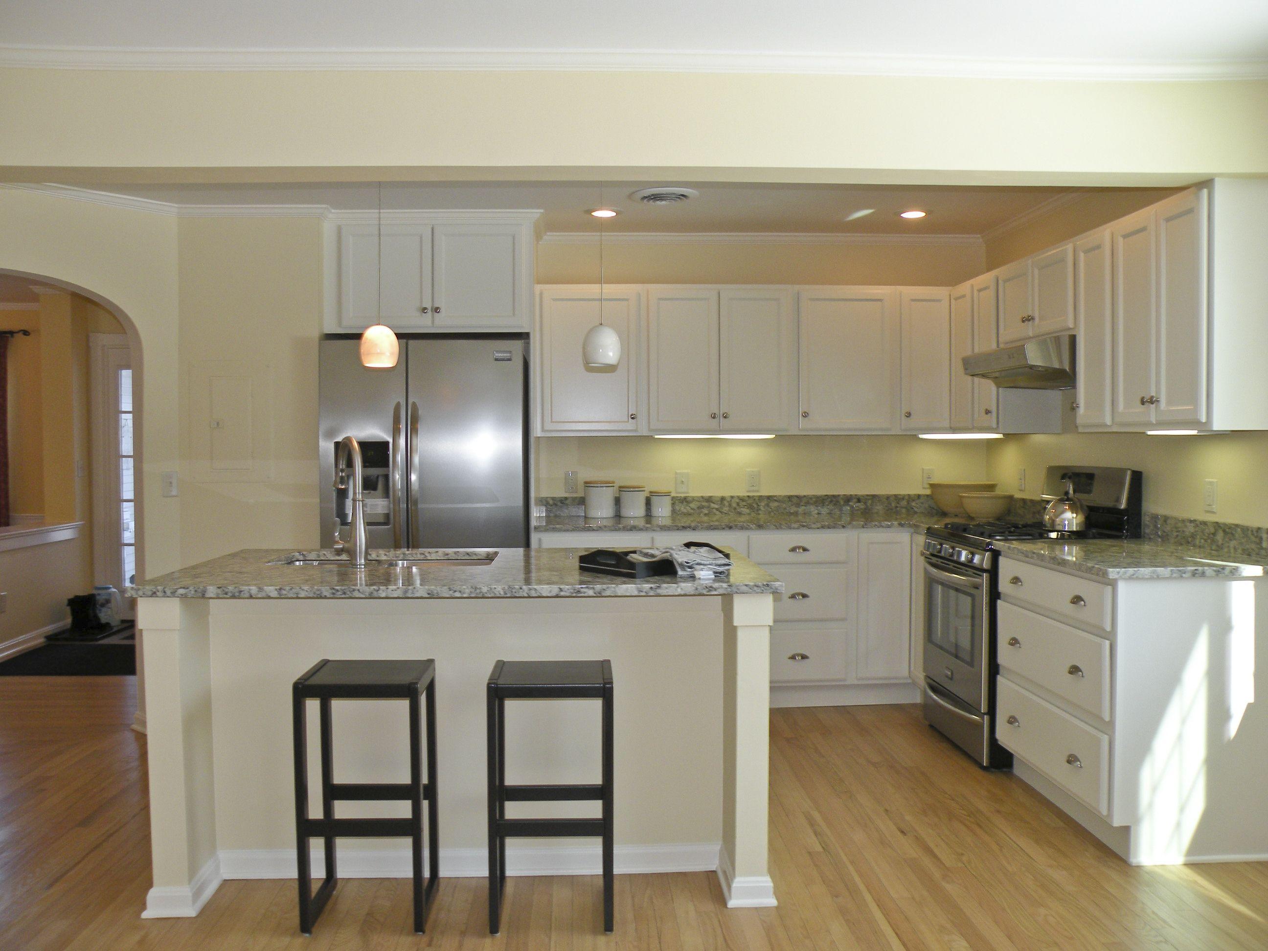 2 Southwind Drive Burlington Vt 05401 Mls 4339600 Geri Reilly Real Estate Custom Tile Shower Kitchen Remodel New Kitchen