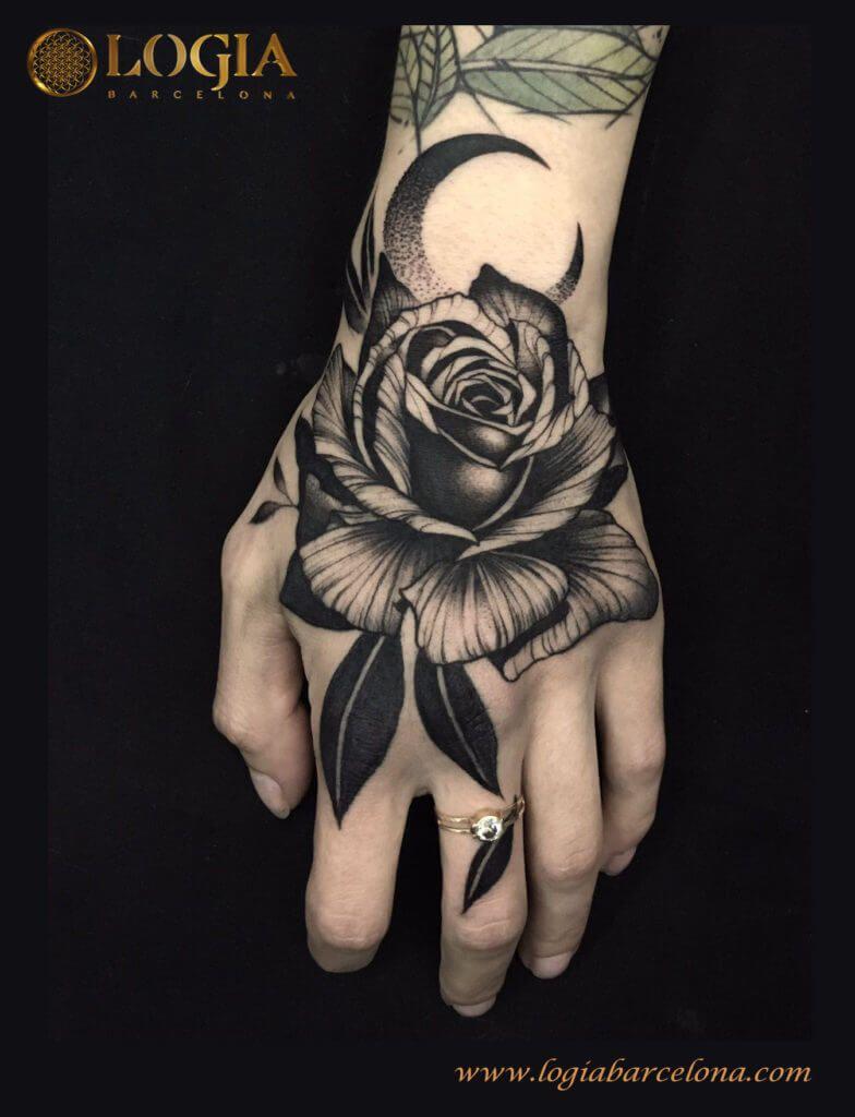 Tatuajes Para Hombres Tatuajes Tatuaje De Rosa En La Mano