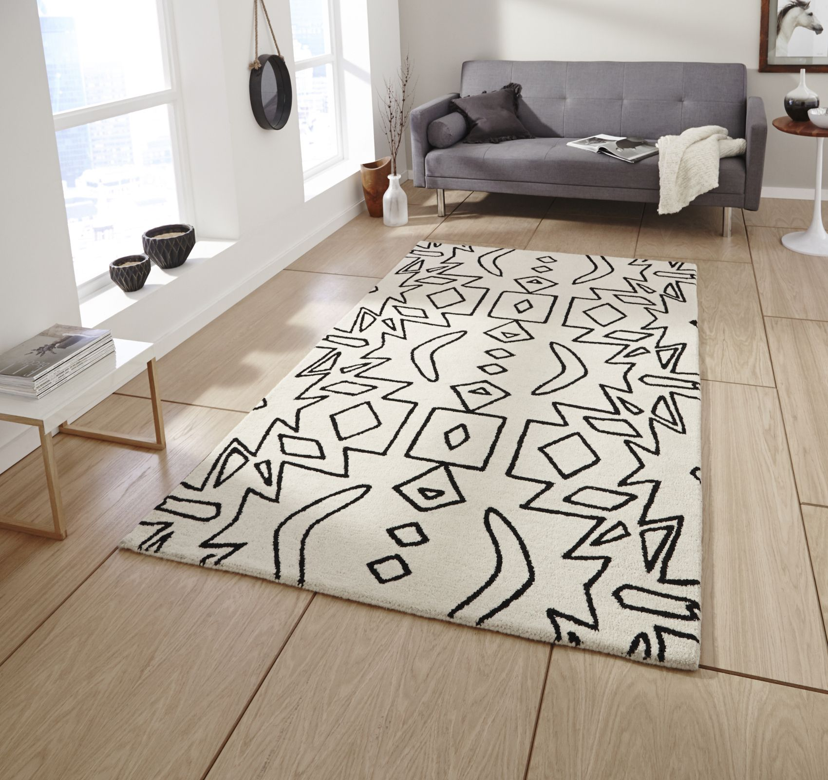 Black And White Rug - Gorgeous Whitebeige Rug With Black