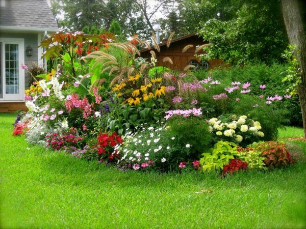 gartengestaltung beispiele bunte blumen grünes gras Garten und - gartengestaltung beispiele und bilder