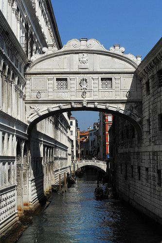 El Puente De Los Suspiros Venice Black And White Photography Venice Italy
