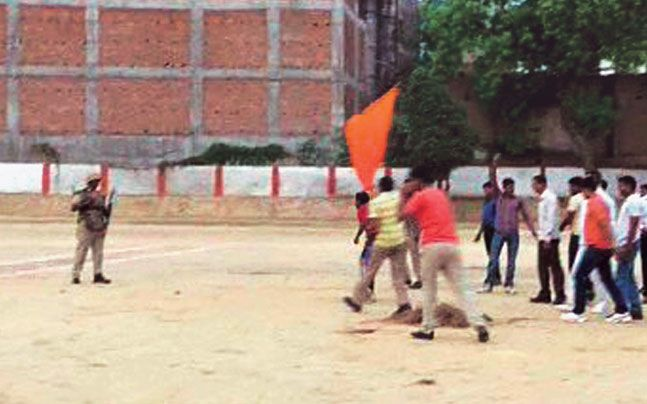 UP cops use saffron flags in mock drill, BJP seeks apology Check more at http://www.wikinewsindia.com/english-news/india-today/top-story-intoday/up-cops-use-saffron-flags-in-mock-drill-bjp-seeks-apology/
