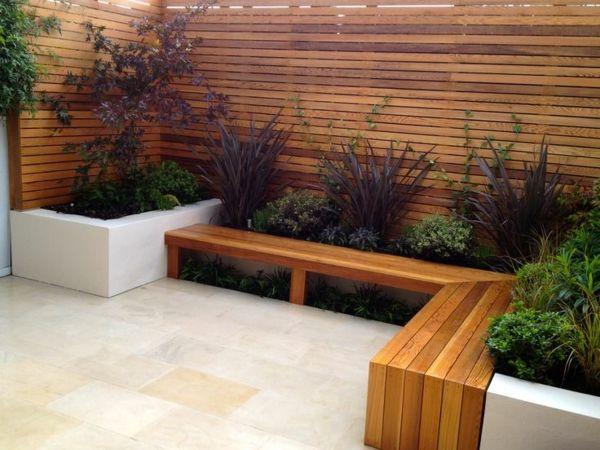 Sitzecke Im Garten Relax Im Grunen Archzine Net Holzbank Garten Feuerstelle Garten Landschaftsbau Ideen