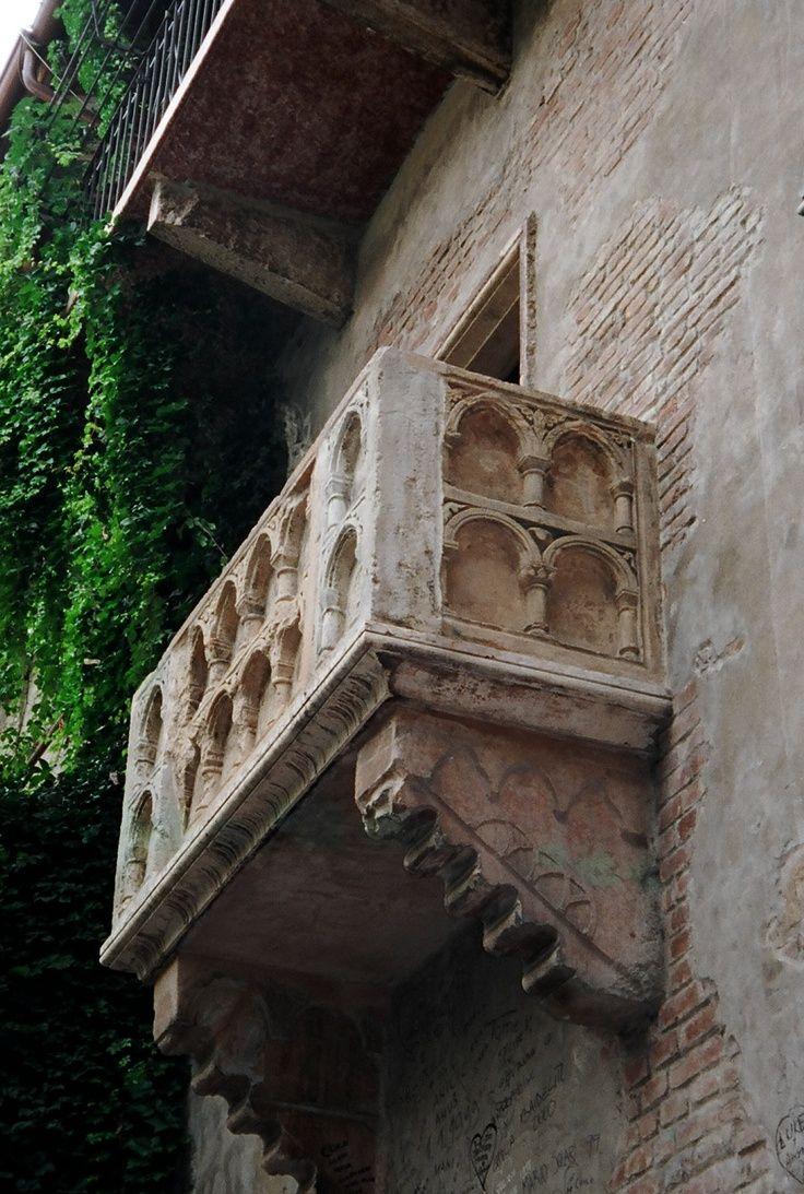 Verona balcone di Giulietta e a Romeo Italy road trips