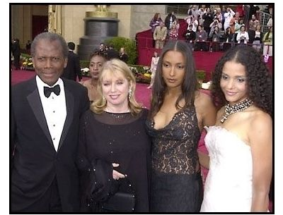 Sidney with his wife Joanna and two of his daughter at the Golden Globes, 2002