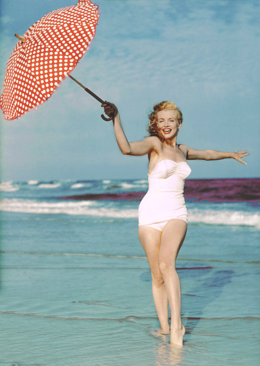 23 Best Christmas & Holiday Pinup Photoshoot Inspiration ...