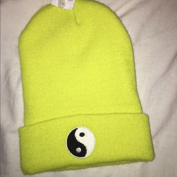 Ying yang beanie Yellow ying yang Bennie purchased at Pacsun brand new never worn PacSun Accessories Hats