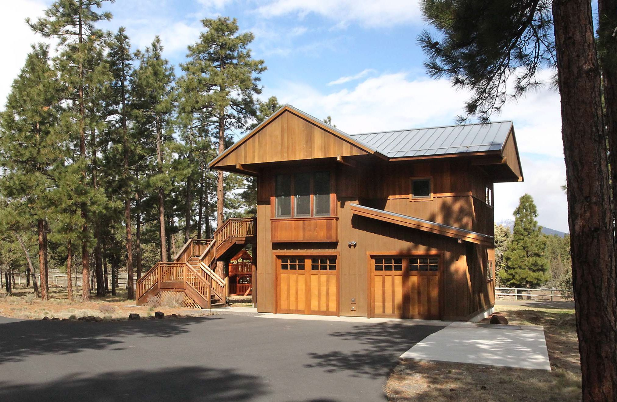 Acreage For Sale In Sisters Oregon Garage With Living Quarters Residential Log Cabins Shop