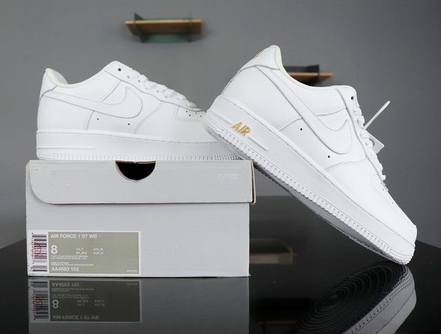 big sale 38a51 028c3 Nike Air Force 1 07 Low Crest Logo White Gold AA4083-102