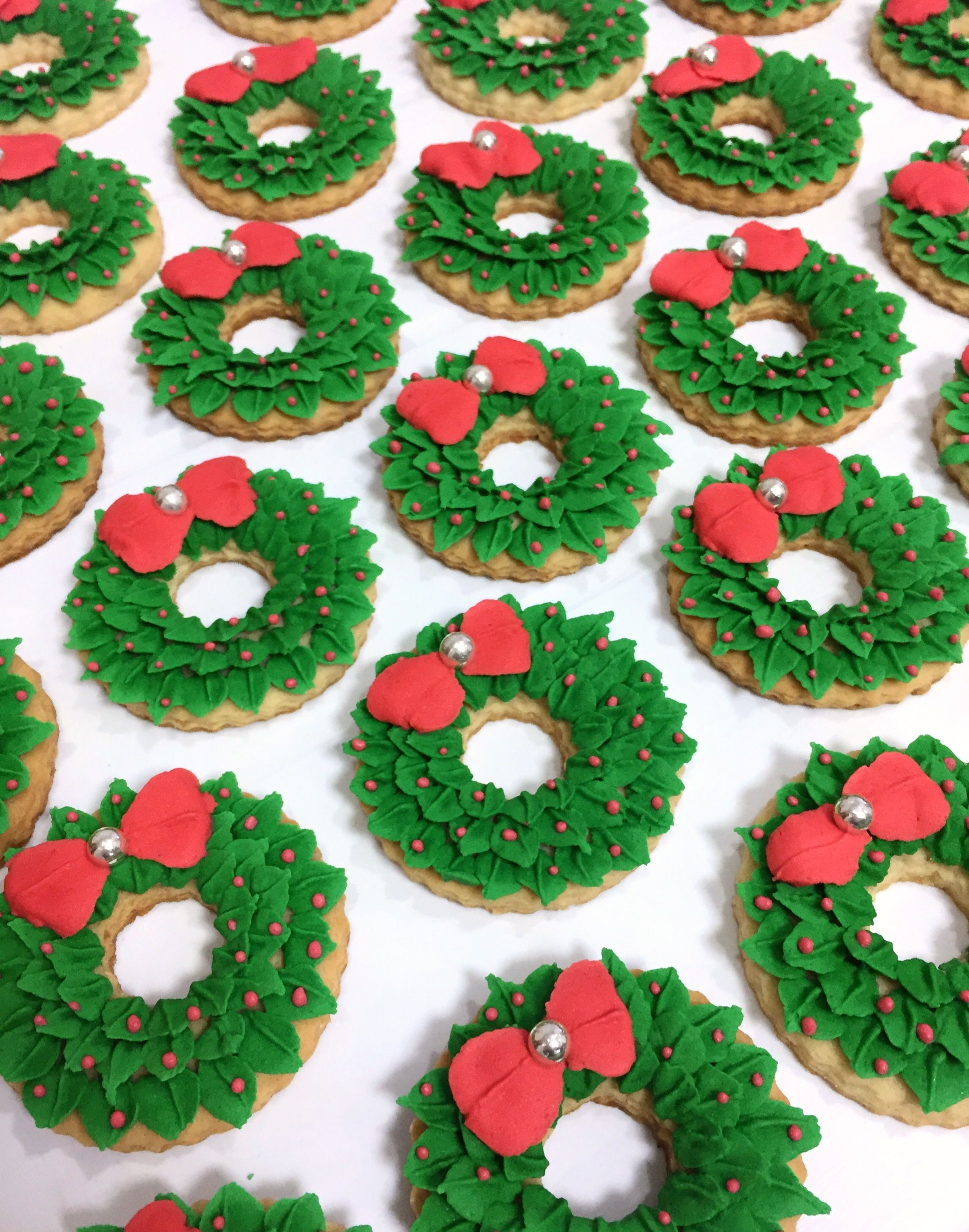 Royal Icing Christmas Wreath Cookies Donut Decorating Odeas