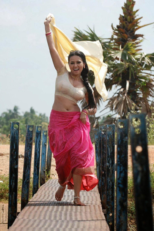 HOT SOUTH INDIAN ACTRESS: Actress Sana Khan Hot Sizzling Blouse
