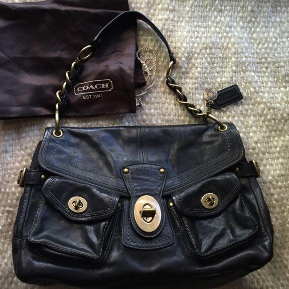 30e249dad1f Coach Legacy Leigh Black leather handbag   Coach legacy, Black ...