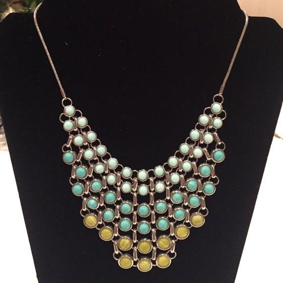 Lia Sophia Necklace Lia Sophia statement necklace Lia Sophia Jewelry Necklaces