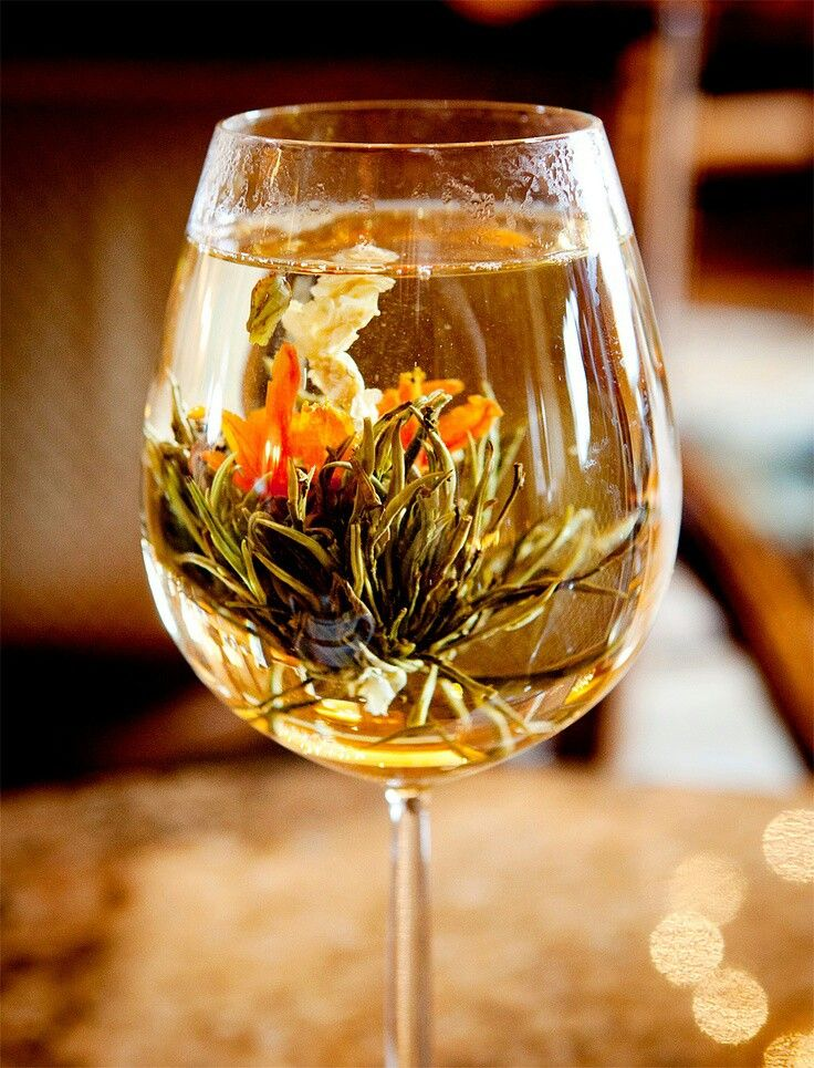 A different way of serving blooming tea with images