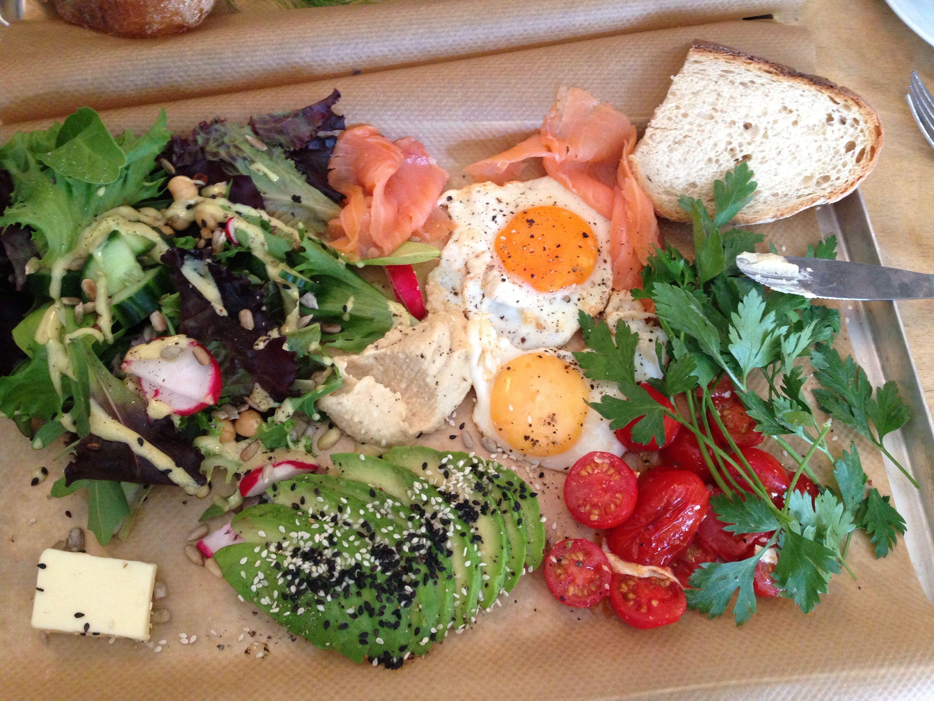 Roamers restaurant in Berlin serves amazing breakfast / lunch dishes perfect for brunch