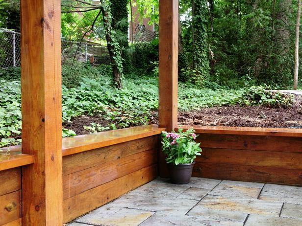 Building A Timber Retaining Wall Diy Retaining Wall Wood