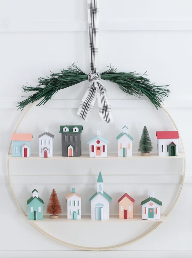 DIY Christmas Hoop Wreath - My Sister's Suitcase -   19 diy christmas village