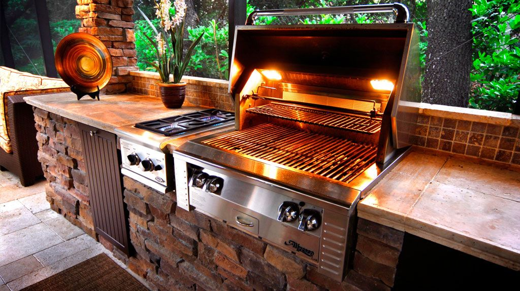 When It Comes To Outdoor Kitchen Features Also Known As Summer Kitchens The Tampa Bay Area Is One Of The Most Popular Areas In T Outdoor Kitchen Outdoor Living
