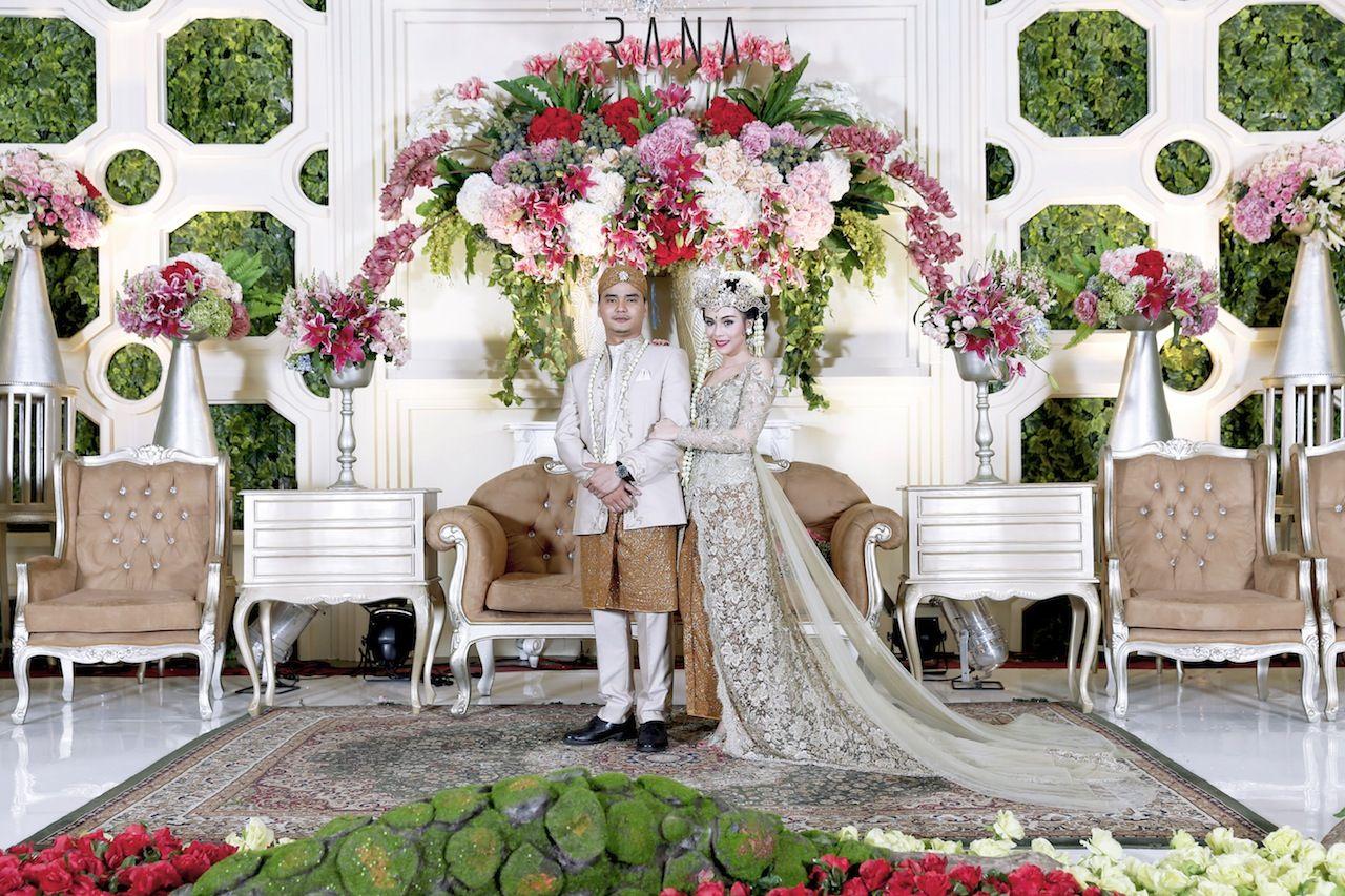 Pernikahan Adat Sunda Bernuansa Alam Resepsi2 Pose