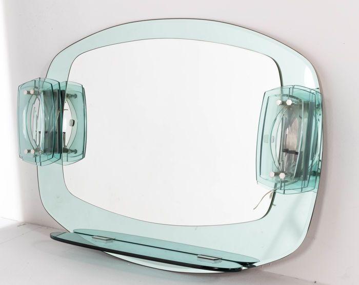 Vintage Badkamer Spiegel : Fontana arte lichtdoorlatende spiegel een 1960 s italiaanse wand