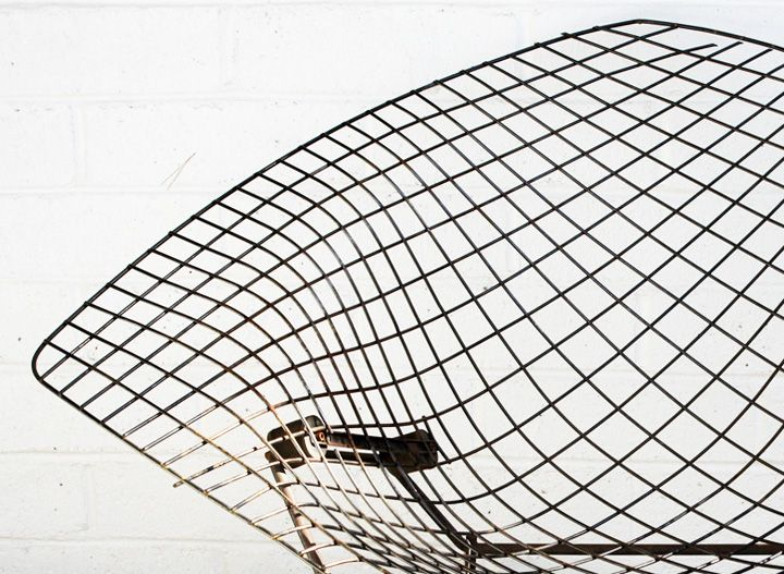 Diamond Chair By Harry Bertoia Produced By Knoll