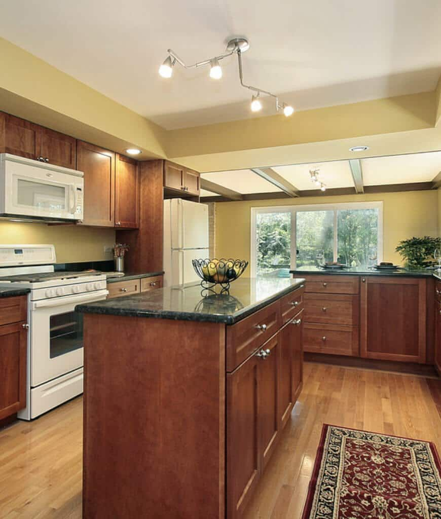 65 Kitchens with White Appliances (Photos) (With images ...
