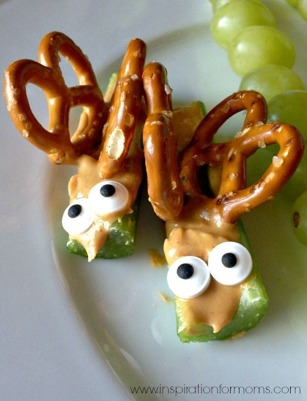 Butterfly Bug Snack by @laurainspired  You could add some Wondergrain gluten-free sorghum in the middle of the peanut butter before the pretzel wings are placed.