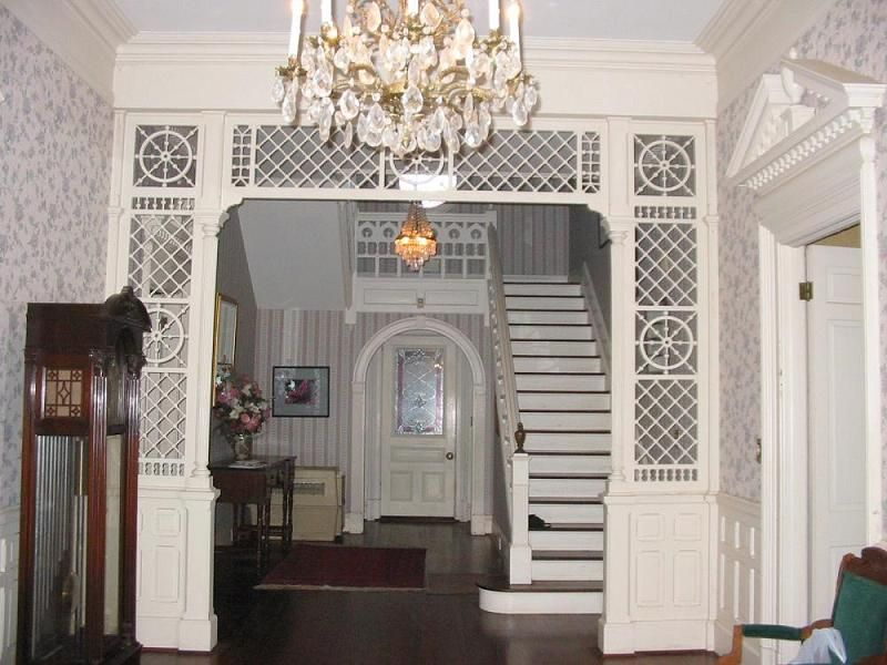 Victorian Interior Design Features: Front Entry Way The Crenshaw House 1896 Victorian: Queen