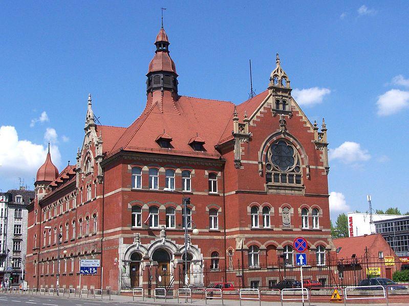 Das Städtische Gymnasium in Katowice (Kattowitz ...