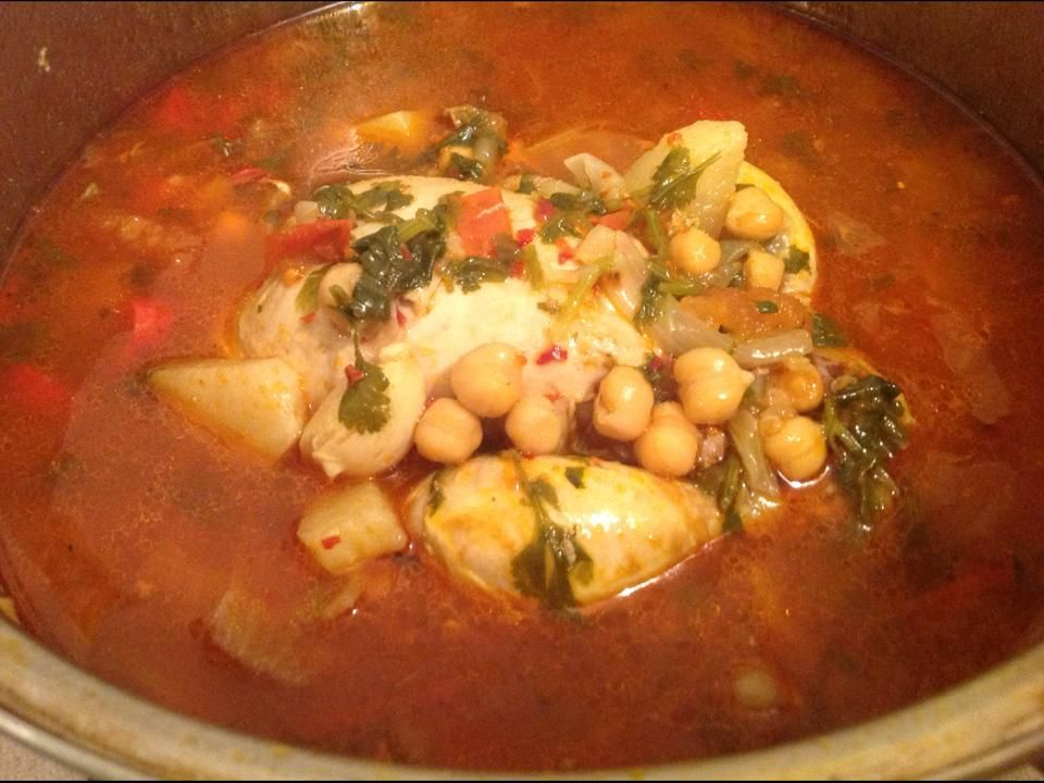 Mini Pollito con Verduras (Puede remplazar la Adafina) :http://www.recetasjudias.com/mini-pollito-con-verduras-puede-remplazar-la-adafina/