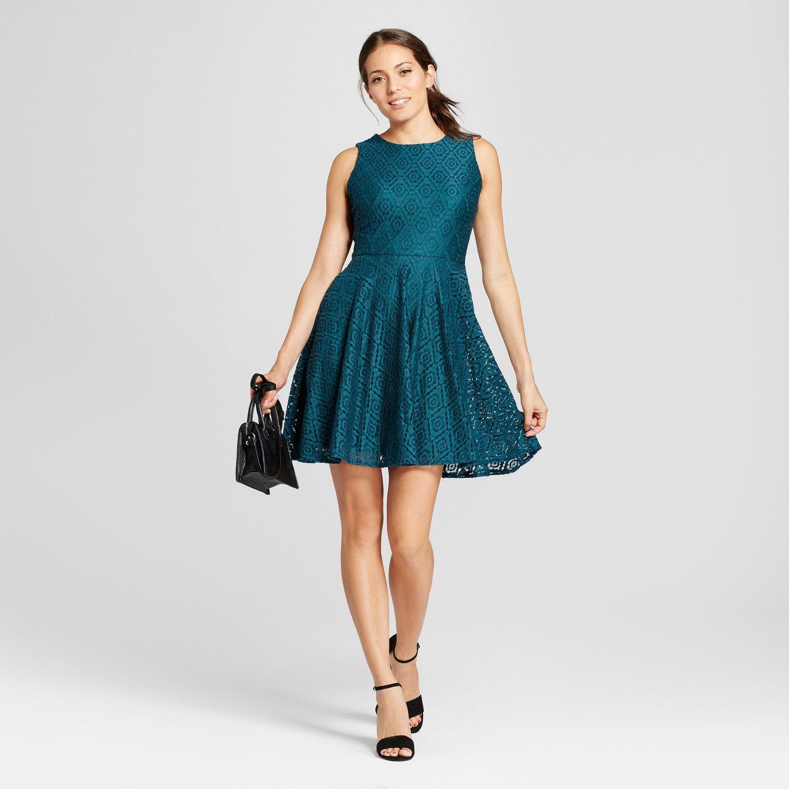 Green dress with lace overlay  Pin by Alyssa Galella on Gabriela u Lara Dresses  Pinterest  Tank