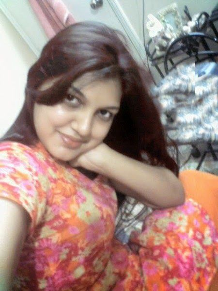 Pakistani Desi Hot Girls And Housewife In Room Pictures