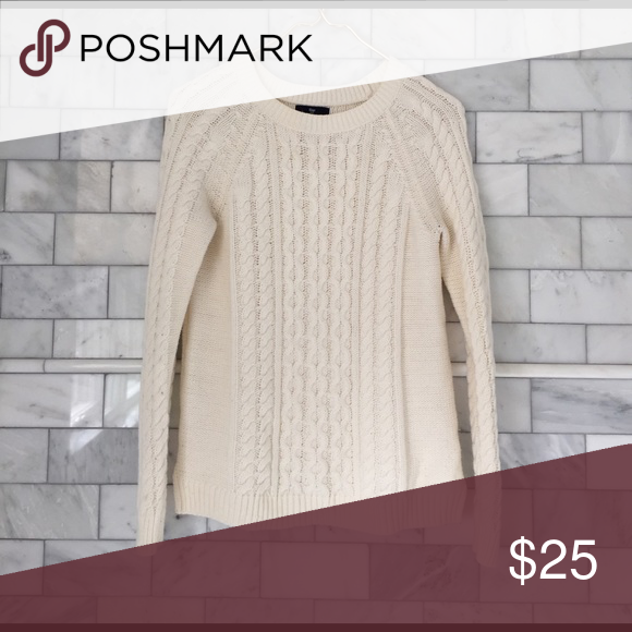 GAP Cream Colored Cable Knit Sweater • In perfect condition. GAP ...