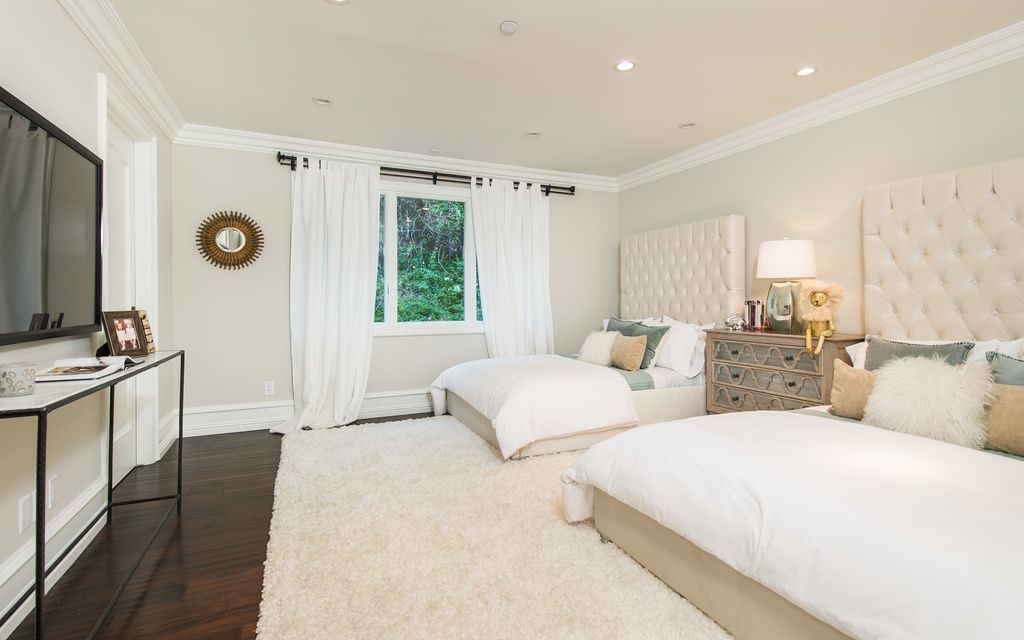 Interesting Looks Like 2 Full Size Beds In One Room Guest Room Decor Guest Bedrooms Basement Guest Rooms