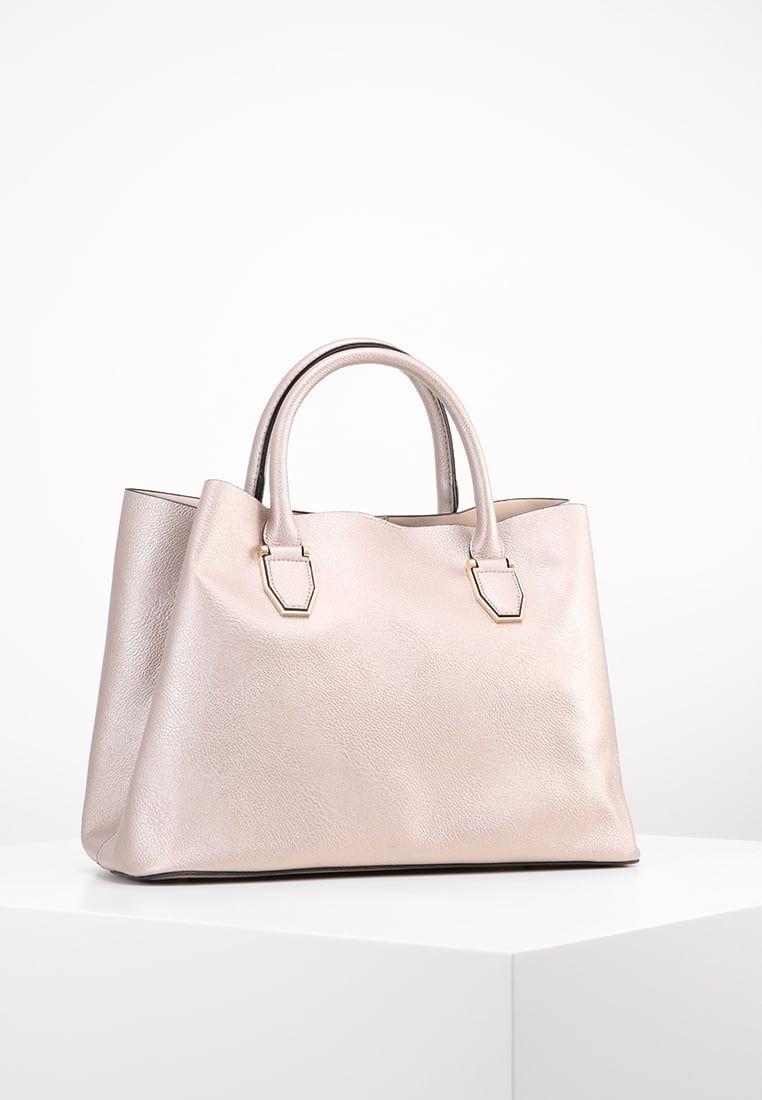 b9e58203a0f22 Consigue este tipo de bolso de mano de New Look ahora! Haz clic para ...