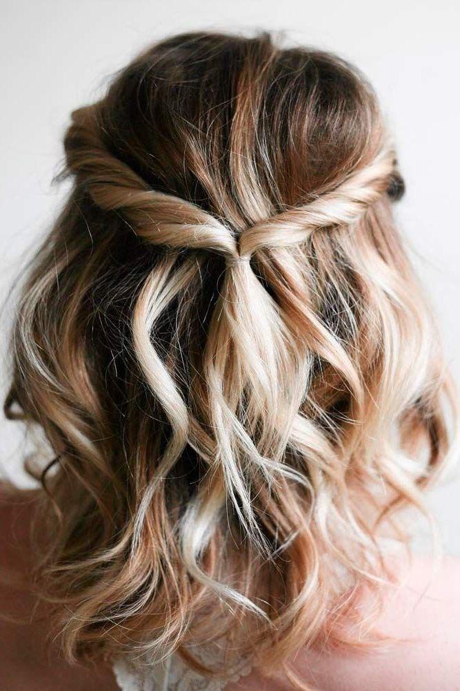 Peinado semi-recogido para cabello corto.  Te compartimos las mejores ideas para…