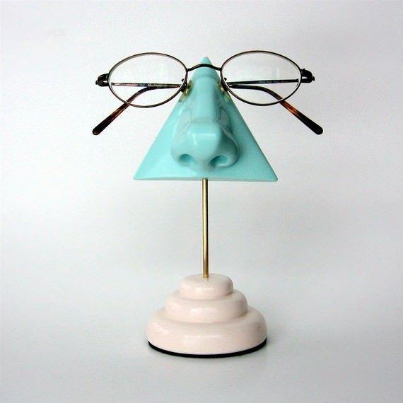 nose eyeglass holder by artakimbo - lifestylerstore - http://www.lifestylerstore.com/nose-eyeglass-holder-by-artakimbo/