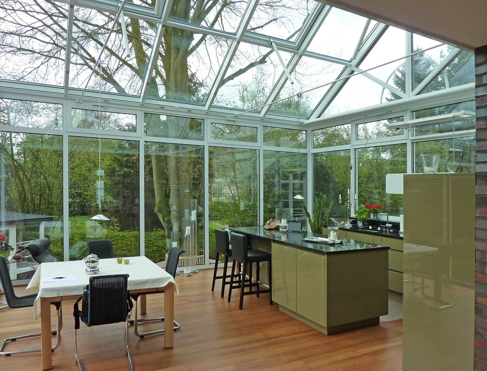 Wohnwintergarten mit integrierter Küche (Foto 1104) | Küche ...