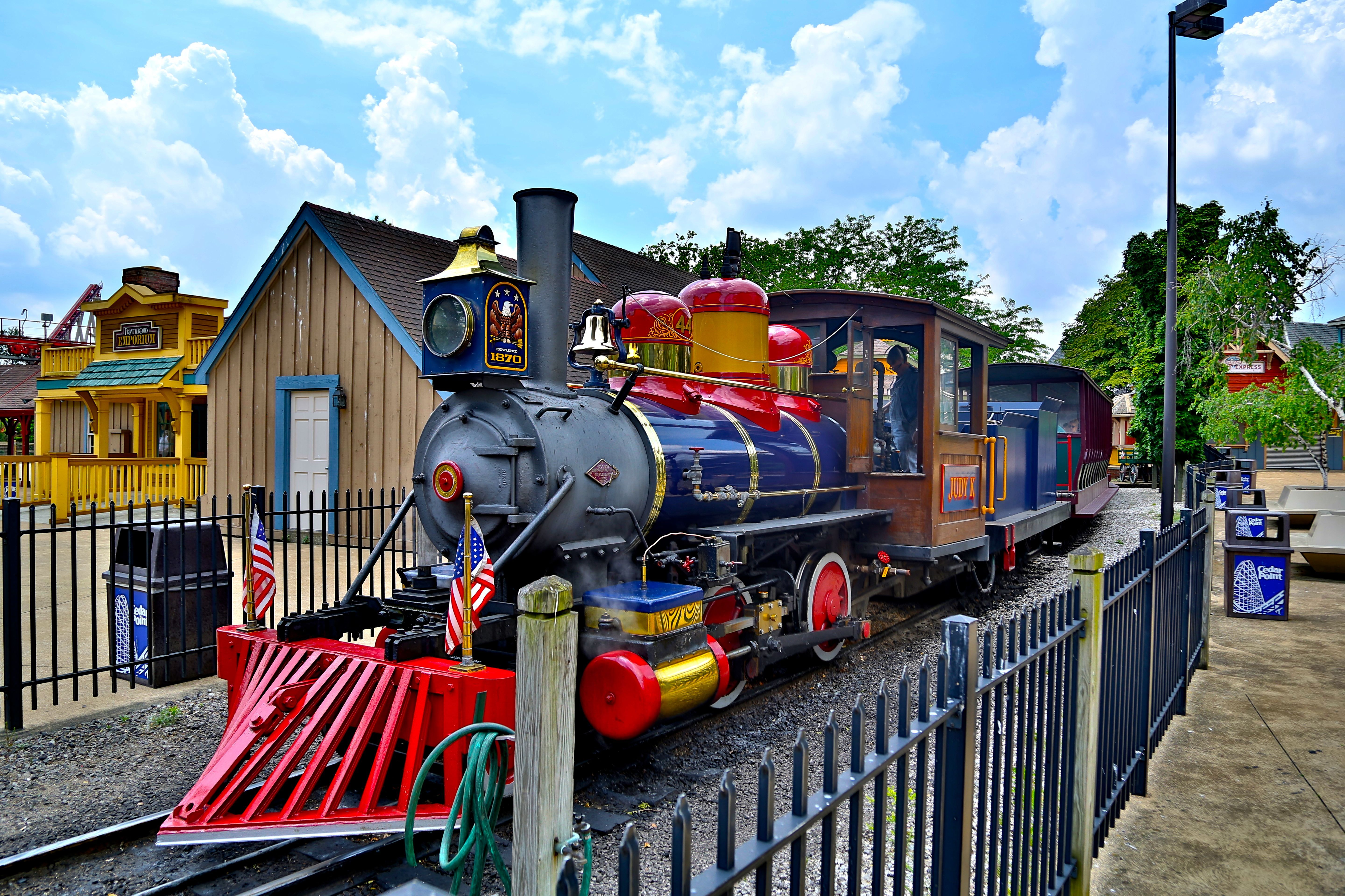 Steam powered train ride at Cedar Point is one of the coolest old ...