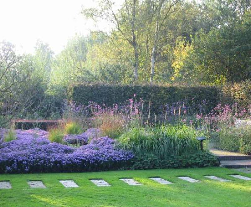 ARAÑAZOS EN EL CIELO: Los padres de la jardinería moderna IV: la madre del movimiento de perennes