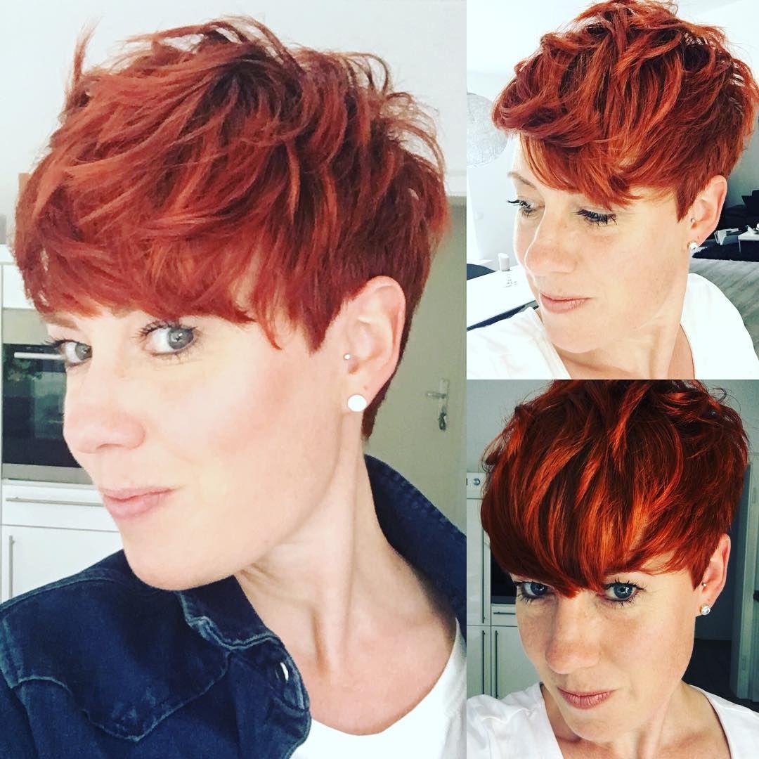 Este Posibil Ca Imaginea Să Conţină 2 Persoane Short Hair Styles Short Pixie Haircuts Short Copper Hair