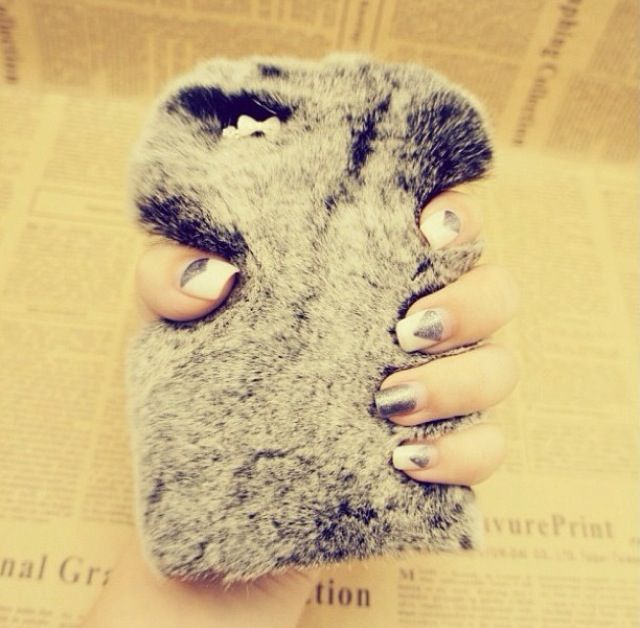 IT'S SO FLUFFY!  Phone case. Cute!!:)